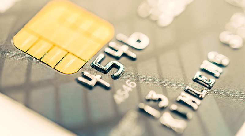 Zweryfikuj koszta bankowe i oszczedzaj
